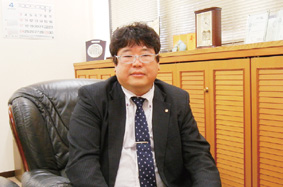 山田秀生センター長