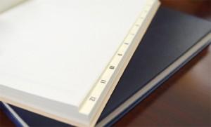 製本後にインデックスを加えるため、印字面が揃う