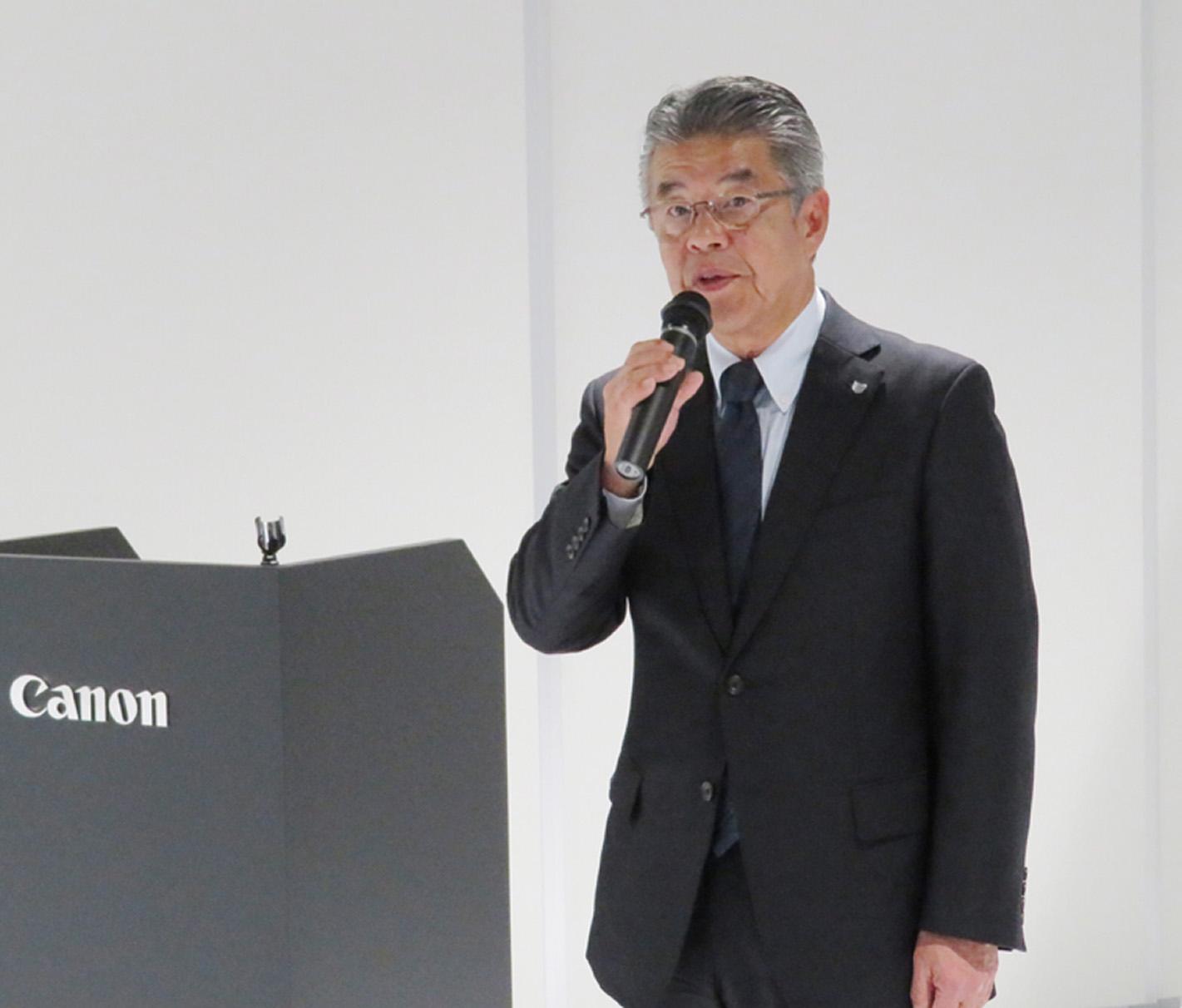 CEC TOKYOについて解説する峯松社長