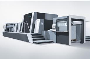富士フイルム社が共同開発したプライムファイア106は、枚葉インクジェット印刷機としては世界で初めてB1サイズに対応