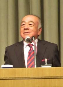 挨拶する東日本リョービMHIパートナーズクラブの吉岡新代表幹事