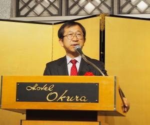 祝辞を述べる経産省の寺澤局長