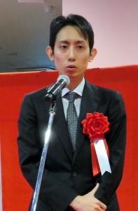 キッズランド開場式の式典で挨拶する三松堂・矢部真太郎社長