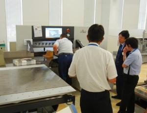 ギャンギング印刷の断裁作業も効率化