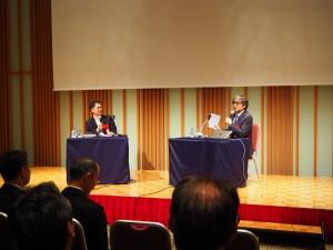 小山薫堂氏(右)と小池アミイゴ氏によるトークショー