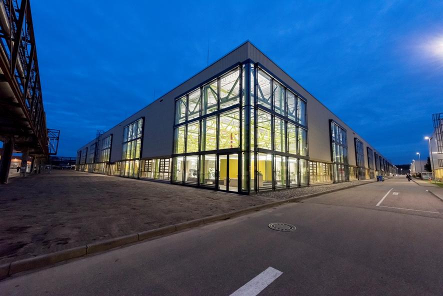 """""""Open for Innovation""""ウィスロッホ-ヴァルドルフの新しいハイデルベルグのイノベーションセンターのカスタマーセンターと生産施設との距離が近いことで、素早く、部門間をまたいだ開発プロセスが促進される"""