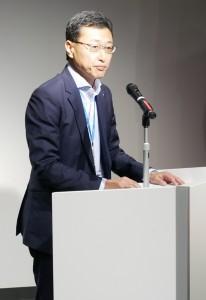 挨拶する凸版印刷文化事業推進本部長の矢野達也氏