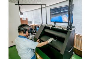安全道場に設置された「巻き込まれ体感機 for VR」 © Toppan Printing Co., Ltd.