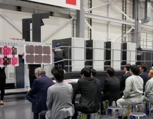「LITHRONE GX40RP」による厚紙両面印刷