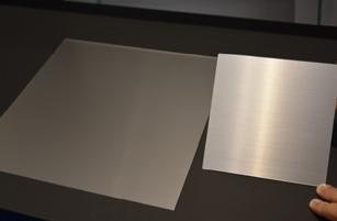 新素材への対応(左アクリル、右硝子)