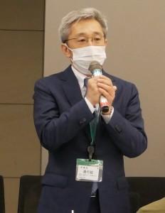 業界を代表して挨拶する滝澤会長