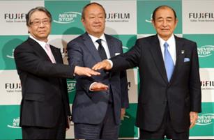 右から古森氏、後藤氏、助野氏