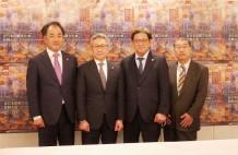 左から江森会長、滝澤会長、藤森会長、増田実行委員長