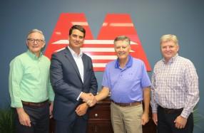 左からModern Litho社のジム トムブリンソン氏、イーストマン・コダック社のトッド ビガー氏、Modern Litho社のダレル ムーア氏、グレッグ ミーカー氏
